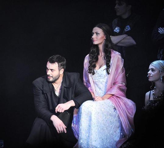 Noid s Eliškou v muzikálu Hamlet.