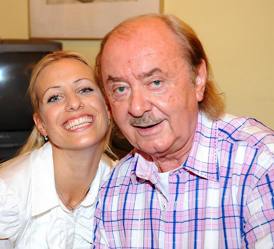 Tereza Mátlová s otcem své dcery Emily Františkem Janečkem.