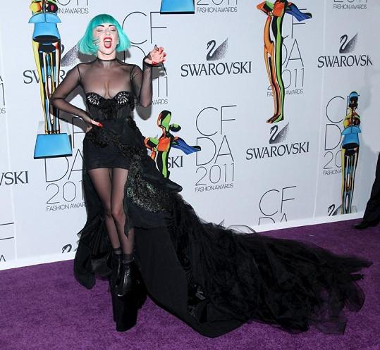 Lady Gaga v dalším ze svých zvláštních modelů.