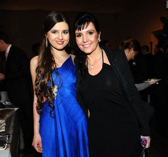 Eliška Jandová s maminkou Martinou.