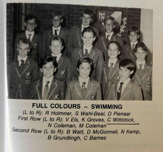 Charlene Wittstock ve školních letech (druhá řada uprostřed).