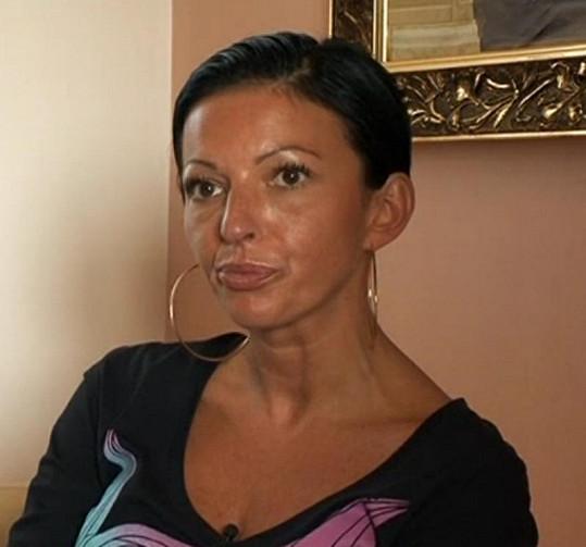 Lenka Košařová nakonec svodům Indiána podlehne.