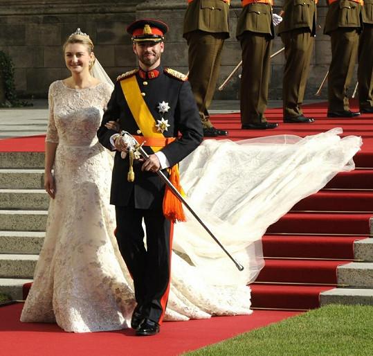 Guillaume a Stephanie zářili po obřadu štěstím.