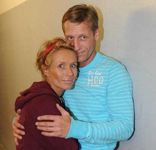 Tereza Pergnerová s přítelem Jiřím Chlebečkem. Tady ještě v krátkých vlasech.