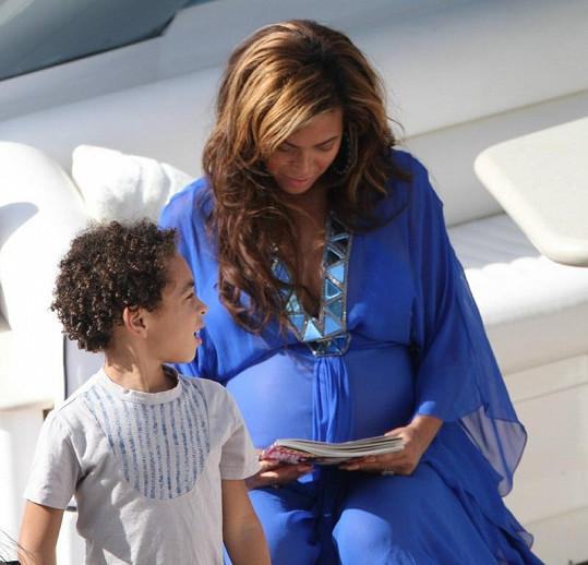 Beyoncé se synovcem Danielem.