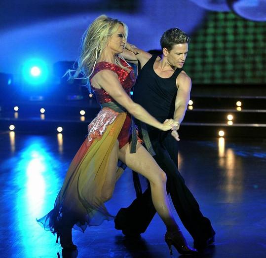 Pamela Anderson je jednou ze soutěžících v argentinské taneční soutěži.