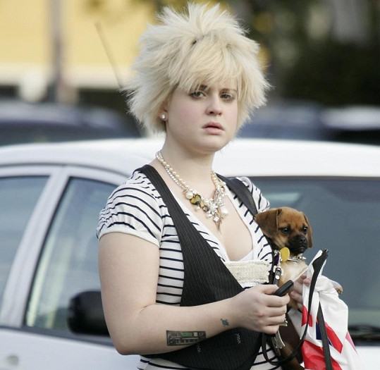 Rozčepýřená Kelly Osbourne v lednu 2006.