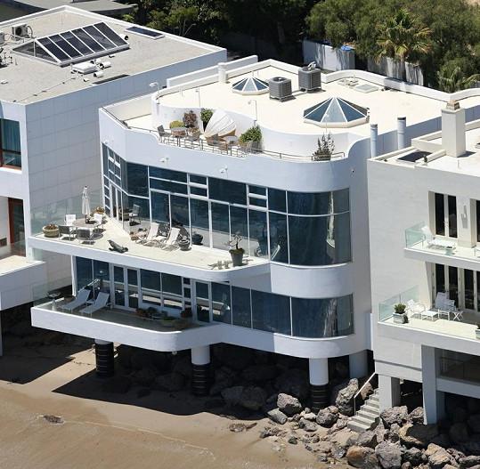 Moderní proslený dům Halle Berry.