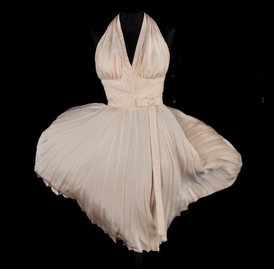 Šaty, v nichž Marilyn Monroe popletla hlavu miliónům mužů.