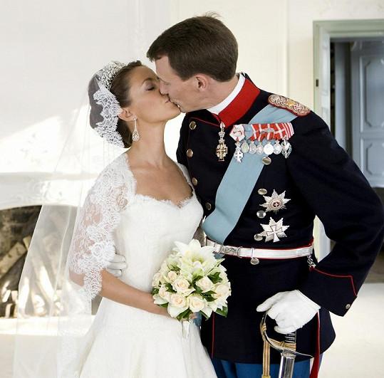 Svatební polibek Joachima a Marie v květnu 2008.