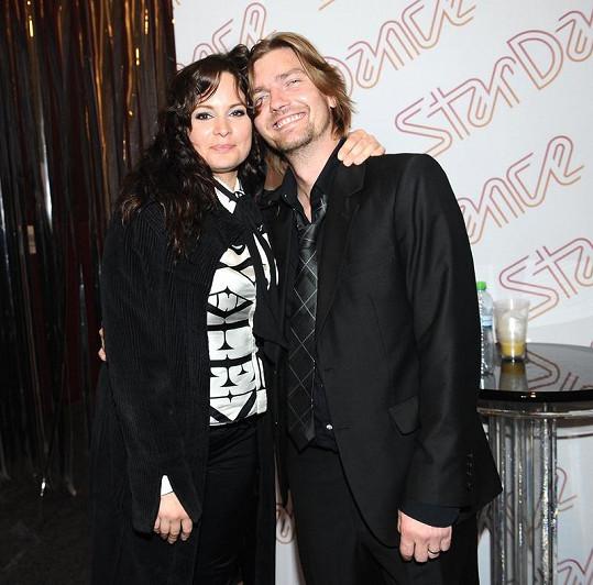Takhle vypadá v civilu s manželem Petrem Čadkem.