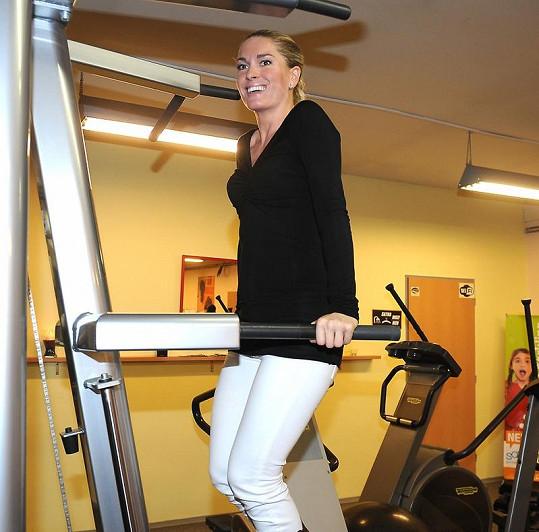 Olga ve fitnesscentru Hanky Kynychové.