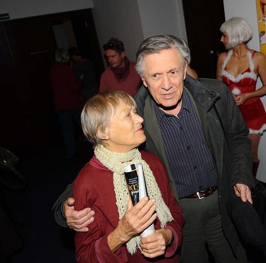 Luba Skořepová a Petr Kostka na tiskové konferenci.