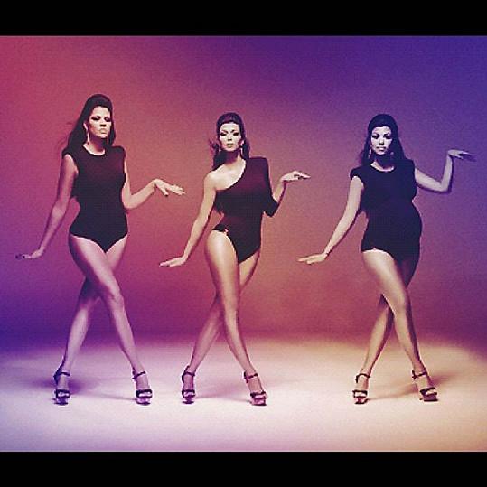 Kardashianky se oblékly jako Beyoncé a její tanečnice v klipu Single Ladies. Zleva: Khloé, Kim a těhotná Kourtney.