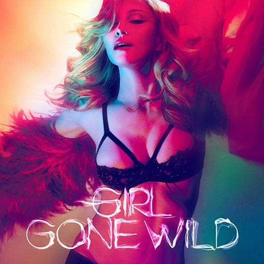Promo fotografie k písni Girl Gone Wild.