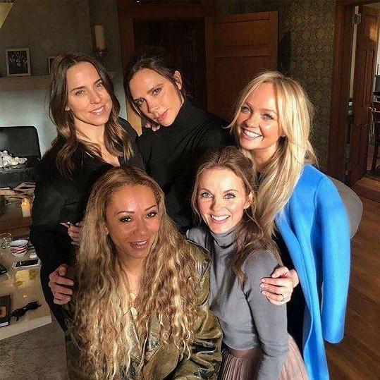 Spice Girls oznámily comeback.