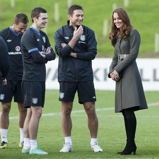 Jak je známo, Kate fandí sportu. S fotbalisty si proto měla o čem povídat.