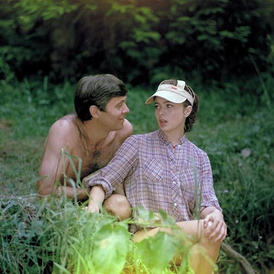 S manželem Josefem Abrhámem excelovala v komedii Svatební cesta do Jiljí (1983).