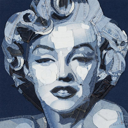 Džínová Marilyn Monroe.