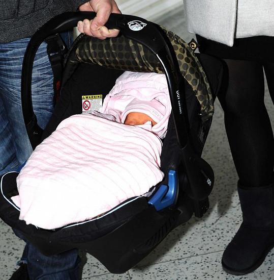 Elenka cestu domů prospala.