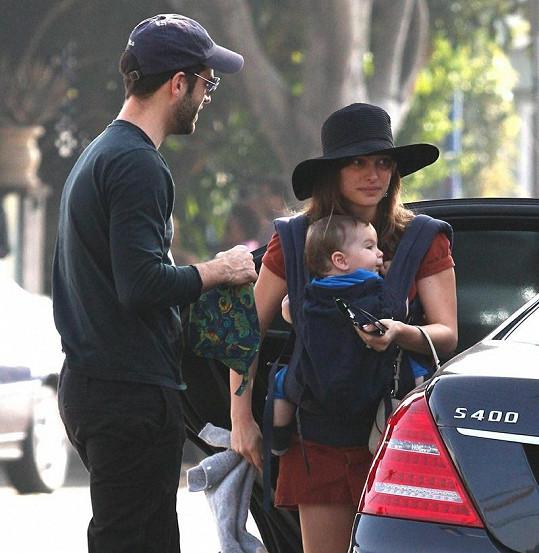 Natalie s manželem a synem Alephem.