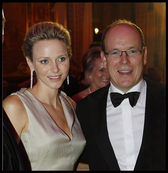 Kníže Albert II. s manželkou Charlene.