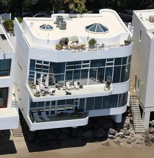 Tři terasy jsou zajímavostí této unikátní nemovitosti.