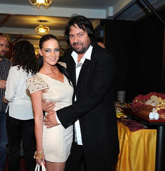 Jiří s přítelkyní Andreou Šťastnou.