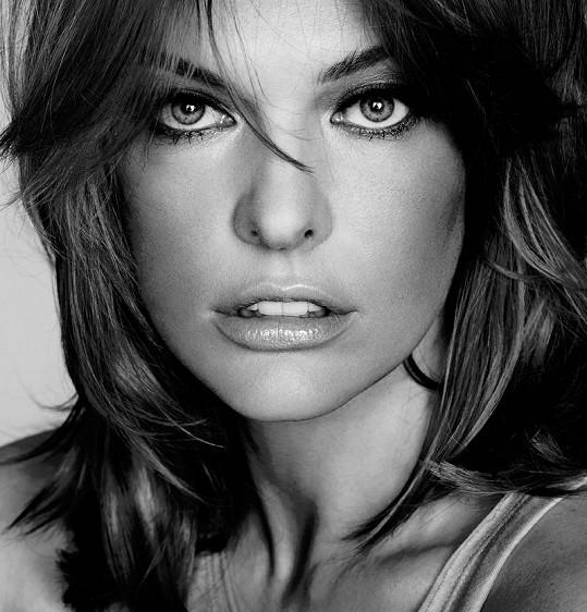 Milla Jovovich pro L'Oréal.