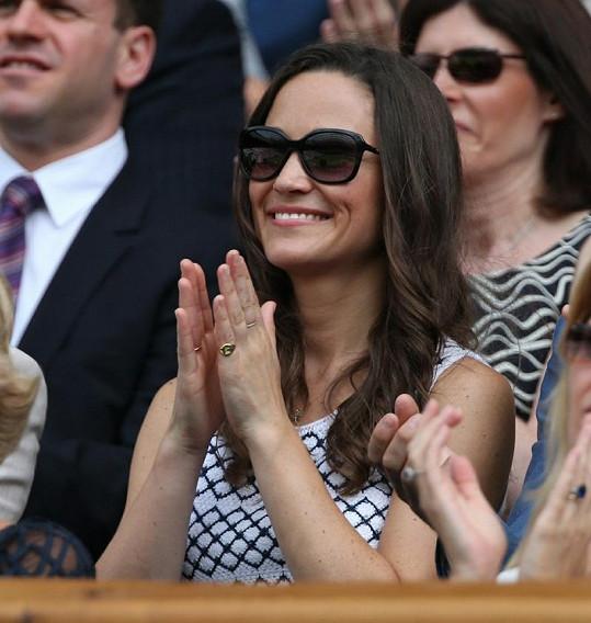 Sympatická Pippa si Wimbledon každý rok užívá.