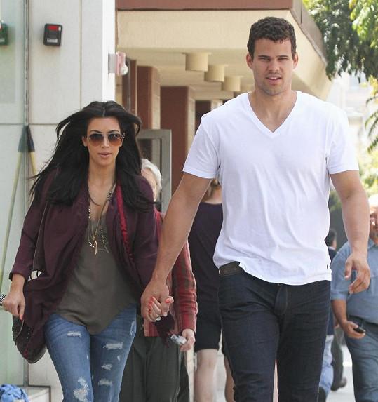 Kim se svým snoubencem Krisem Humphriesem.