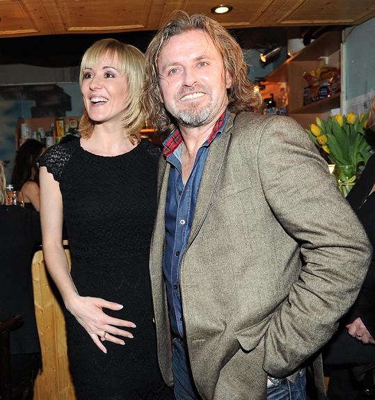 Pepa s těhotnou manželkou Jovankou.