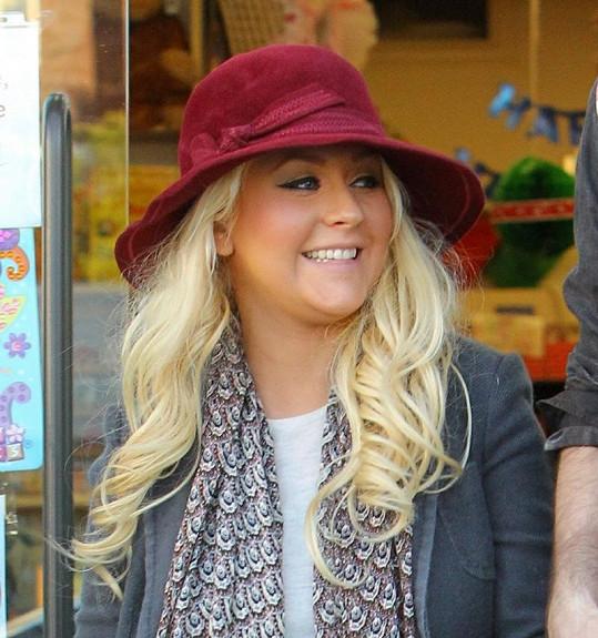 Christina Aguilera a její buclaté tvářičky.