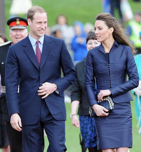 Vévodkyně Catherine v kostýmku z nejnovějších ofociálních fotografiích letos v dubnu.