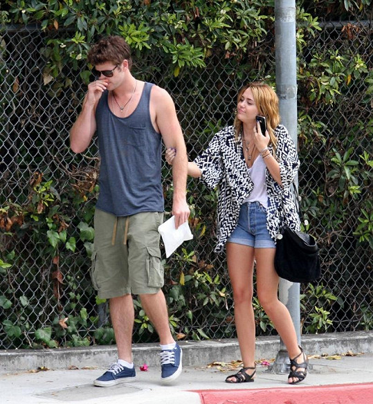 Miley a Liam.
