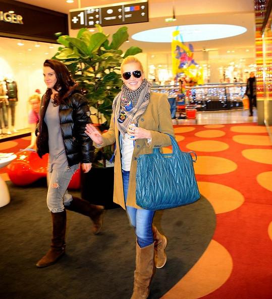Dara Rolins s managerkou Evou Skallovou.