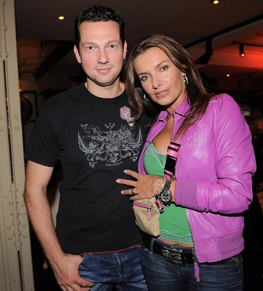 Šťastné období Alice Bendové s manželem Václavem Bendou je pryč.