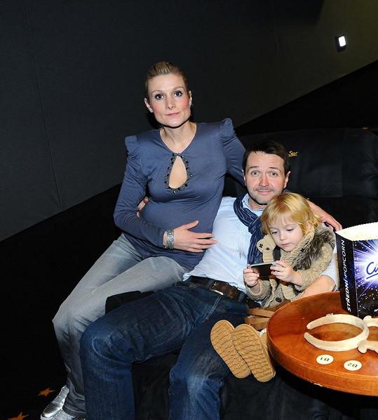 Vlasta Korec s manželkou a dcerou Magdalenkou.