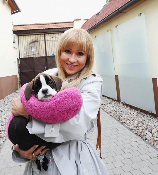 Fenku Grace pro Havlovou přinesla Katka Herčíková.