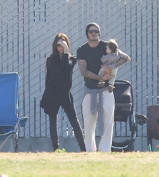 Victoria Beckham, David Beckham a Harper.