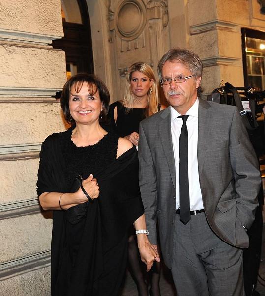 Veronika Freimanová s přítelem a dcerou Terezou.