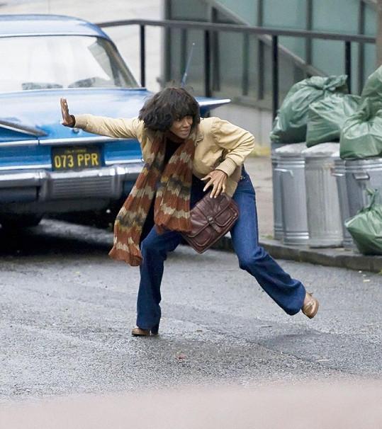 Halle Berry si při natáčení jedné ze scén filmu Cloud Atlas zlomila nohu.