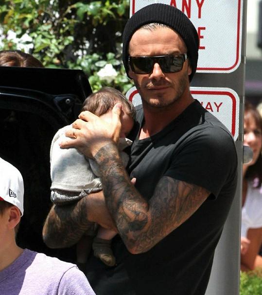 Hrdý otec David Beckham s dcerou Harper Seven.