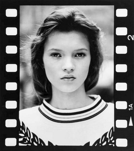 Kate Moss jako čtrnáctiletá.