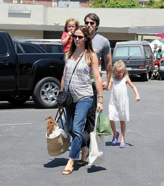 Hollywoodský pár zatím se dvěma dcerami.