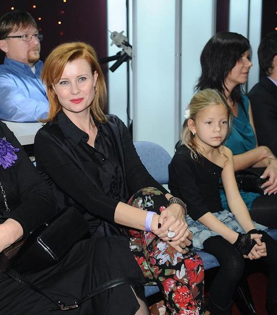 Jitka jej sledovala i s dcerou Sofií.