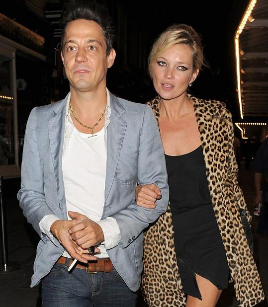 Kate Moss s Jamiem Hincem.