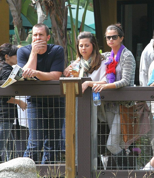 Prohlídku zoo si Selena užila s rodiči.