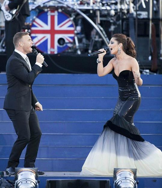 Na pódiu společně vystoupili Gary Barlow s miláčkem Britů Cheryl Cole.