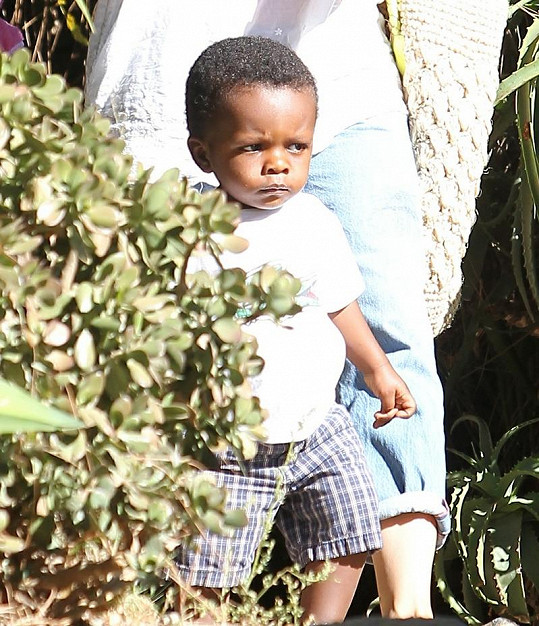 Louis, kterého adoptovala Sandra Bullock.